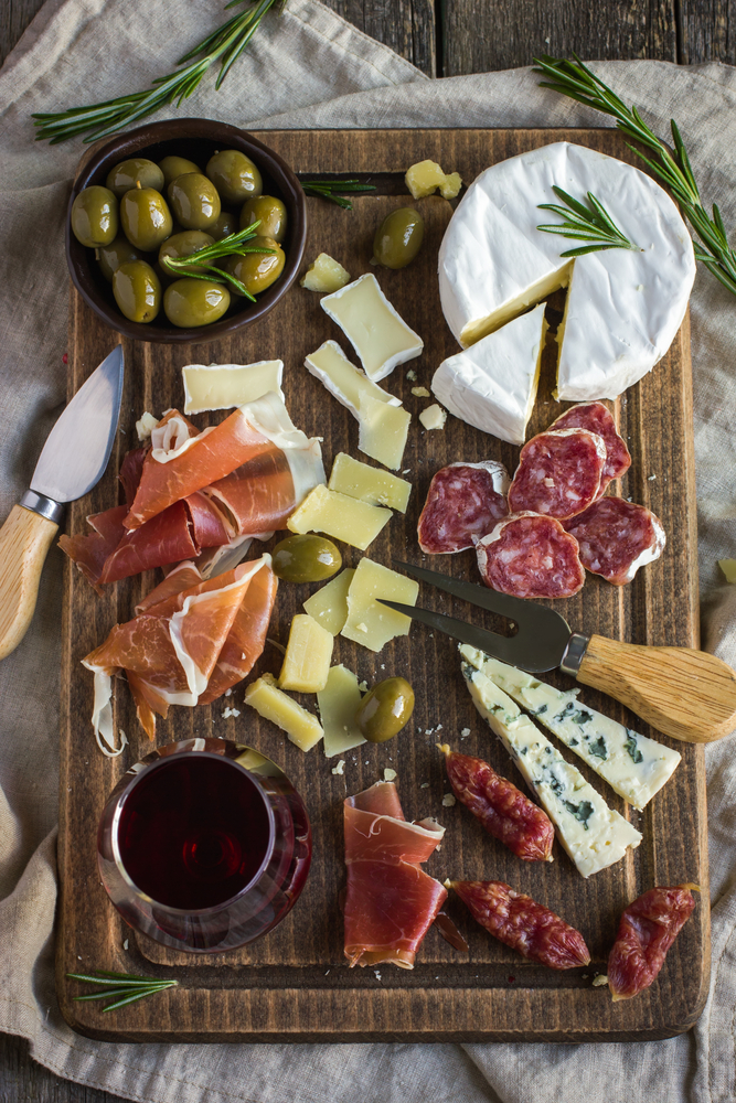 CATERERS ARE OFFERING BEAUTIFUL CHARCUTERIE BOARDS FOR THE HOLIDAYS